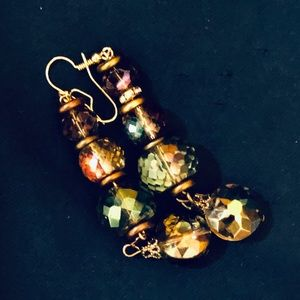MUTI TONE CRYSTAL/ GOLD DROP EARRINGS BEAUTIFUL